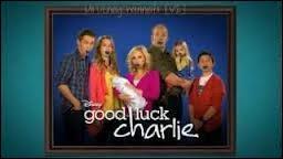 Dans la série  Bonne chance Charlie , comment s'appelle le dernier né ?