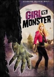 Dans le film  Skylar Lewis, chasseuse de monstres , de qui Skylar est-elle amoureuse ?