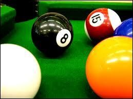 Loisirs - Quelle bille doit-on empocher en dernier lieu pour remporter une partie de billard anglais ?