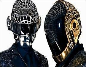 Musique - Quel duo français de musique électronique apparaît souvent casqué ?