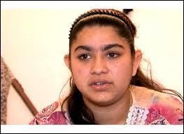 Comment s'appelle la collégienne qui a été rapatriée au Kosovo avec sa famille ?