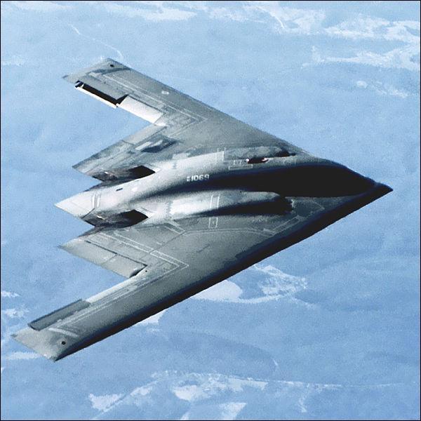 Quel est approximativement le prix unitaire du B-2 Spirit, mis en service en 1989 ?