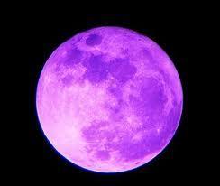 La lune était-elle vraiment violette dans la s-quest ?