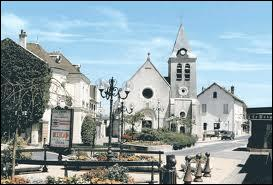 La ville francilienne d'Ozoir-la-Ferrière se situe dans le département ...