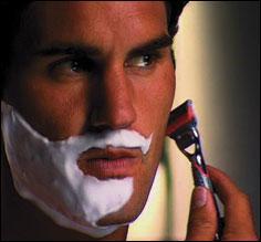 Pour les hommes, ils passent 3100 heures à se raser.
