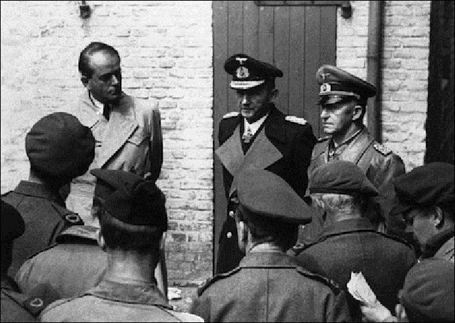 À la fin de la 2e Guerre mondiale, beaucoup de chefs nazis ont essayé de sauver leur triste peau, certains ont réussi, d'autres non. À vous de trouver celui dont on est sûr qu'il survécut à la débâcle nazie et aux différents procès organisés !