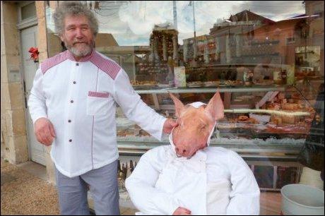 Comment s'appelle ce métier qui consiste à transformer de gentils cochons en pâtés et autres saucisses ?