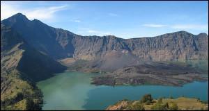 Quel détroit se situe entre les îles indonésiennes de Java et Sumatra ?
