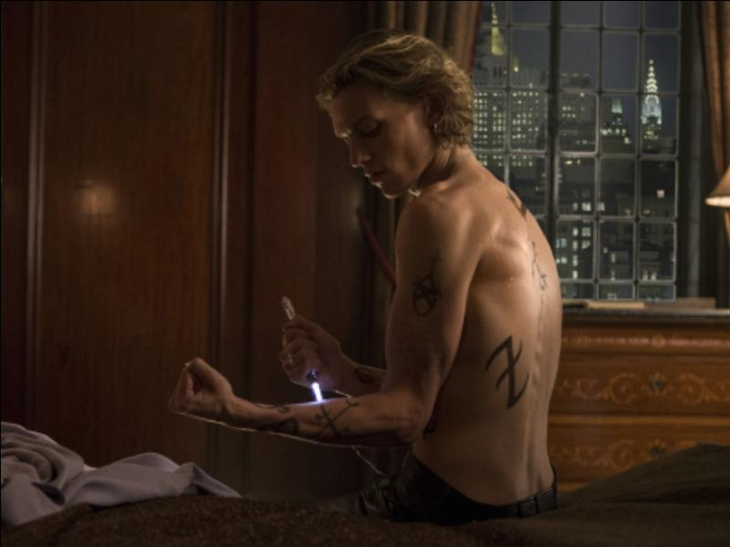 Qu'est-ce-qui est tatoué sur les Chasseurs d'Ombres ?