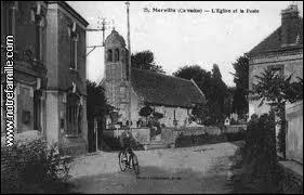 Voici une ancienne photo de la commune Calvadosienne de Merville-Franceville-Plage. Elle se situe en région ...