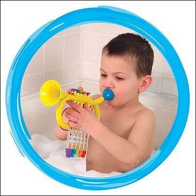 Il a existé une sorte de trompette avec un coude rempli d'eau pour un effet vibratoire particulier.