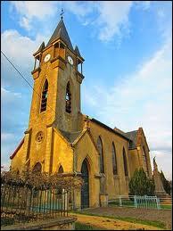 Voici l'église de la commune lorraine de Romagne-sous-les-Côtes. Elle se trouve dans le département ...