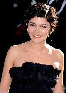 A. T. : Actrice française née en 1976, je tiens des grands rôles dans les films  Coco avant Chanel ,  Un long dimanche de fiançailles  ou  Vénus Beauté Institut . Je suis...