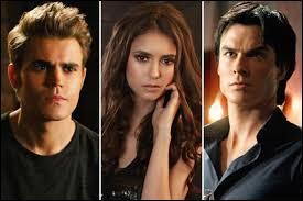 Lequel des garçons Elena choisit-elle dans la saison 3 ?