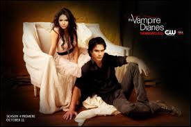Dans la saison 4, pourquoi Elena couche-t-elle avec Damon en réalité ? (Attention)