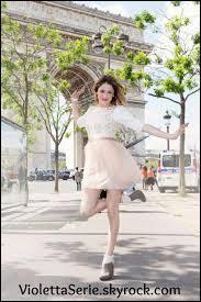 Elle est venue à Paris :
