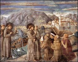 Que fait ce moine mendiant franciscain ?
