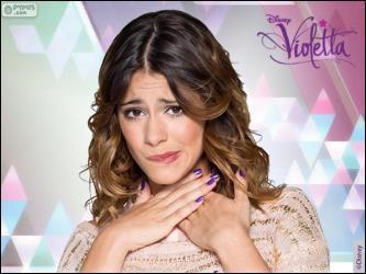 Quel est le nom complet du personnage qu'elle interprète dans la série Disney Channel ?
