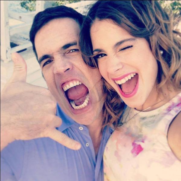 Comment s'appelle le père de Violetta ?