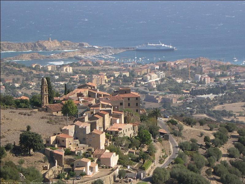 Le port de  la cité paoline  ou Lisula, commune de Haute-Corse, en plein cœur de la Balagne, est le troisième port de Corse pour l'importance du trafic passagers et marchandises. Quelle est cette ville construite par Pascal Paoli, dont le nom officiel était Isollarossa jusqu'en 1848 ?