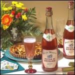 Une boisson fraîche : le Nectar de rhubarbe, fermenté mais fort peu alcoolisé. C'est une spécialité de la baie de Somme, en :