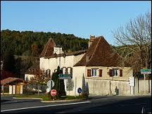 Nous sommes à Saint-Crépin-d'Auberoche. Commune du département 24, elle se situe donc en région ...