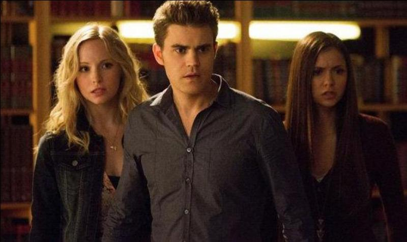 Qui est la tante d'Elena et Jeremy ?