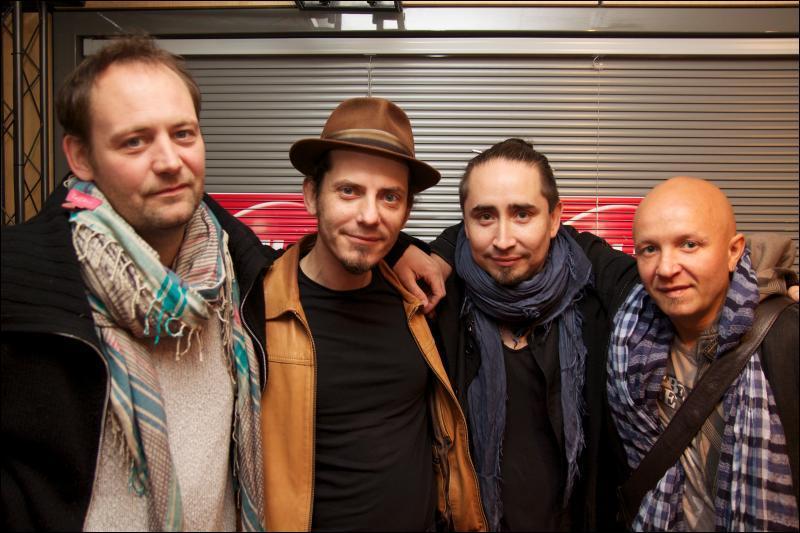 En 2000, quel groupe a chanté :  J'ai trouvé des amis / Man trouvé des amis / J'leur ai donné un peu d'mon âme / Man un peu d'ma vie, oui !   ?