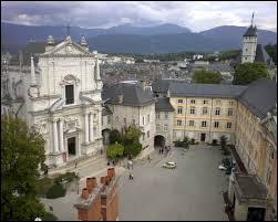 La préfecture de la Savoie est la ville ...