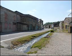 Nous traversons la commune Meusienne de Trémont-sur-Saulx. Nous sommes dans en région ...