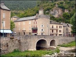 Nous allons visiter la commune Lozérienne de Meyrueis. Nous nous rendons donc en région ...