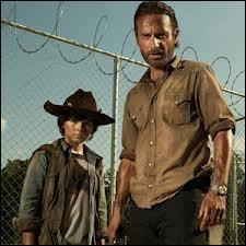 Dans The Walking Dead, comment s'appelle le fils de Rick ?
