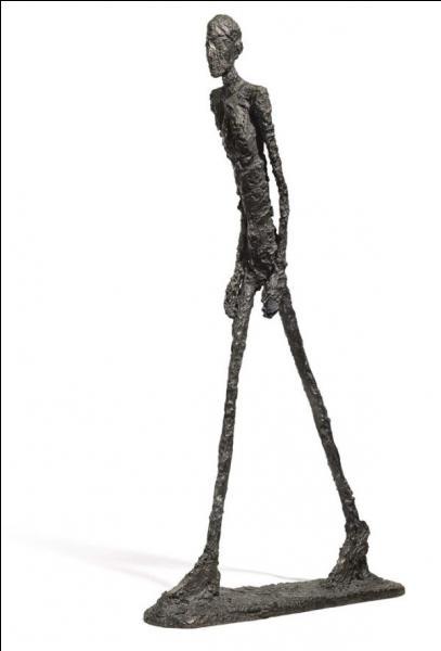 Quel est le nom de ce sculpteur suisse très original, qui démarra avec le mouvement surréaliste ?