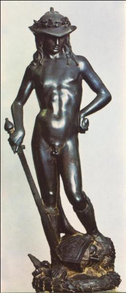 Qui est ce grand sculpteur de la renaissance italienne, dont le  David  constitue un chef-d'œuvre absolu ?
