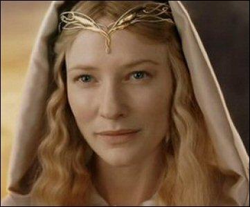Après l'épreuve des mines, la communauté se retrouve dans la Lothlórien et rencontre Galadriel. Qui est cette dernière pour Elrond ?