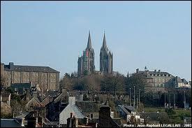 Je me rends à Coutances, où je pourrai visiter la cathédrale Notre-Dame. Je serai dans le département ...