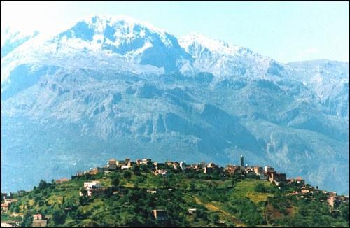 Dans quel pays la Kabylie, magnifique région montagneuse rassemblant 6, 5 millions d'habitants, est-elle localisée ?