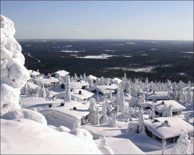 Combien de pays se partagent-ils la Laponie (au sens large), célèbre région d'Europe du Nord où habiterait un vieux barbu généreux ?