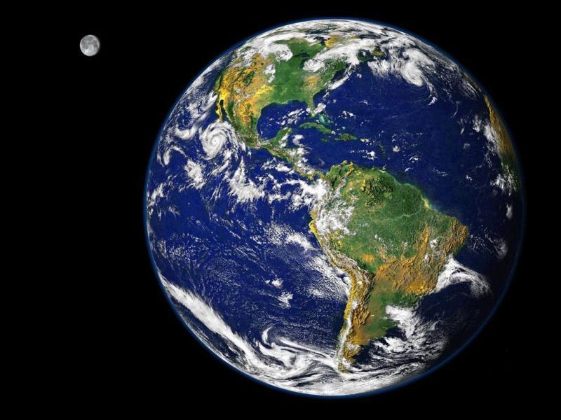 S'il y a des saisons, c'est parce que la Terre tourne autour de la Lune et du Soleil.