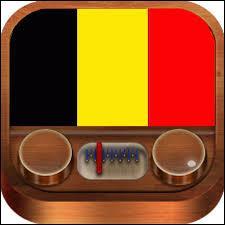 De quelle heure à quelle heure les radios belges sont dans l'obligation de passer sur leurs ondes au moins 70 % de musique exclusivement belge, selon la loi ?
