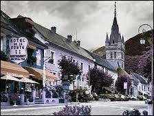 La ville de Corps, point de départ de la route pour Notre Dame de la Salette est située :