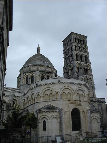 Cette cathédrale est caractéristique de :