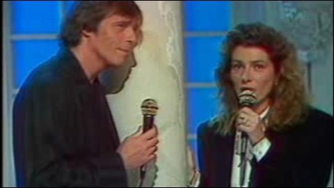 Sur l'album  Quelque part... c'est toujours ailleurs , Pierre Bachelet et Florence Arthaud interprètent plusieurs chansons en duo dont :