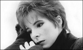 Dans l'album  L'Autre , sorti en 1991, Mylène Farmer interprète une chanson en duo avec :