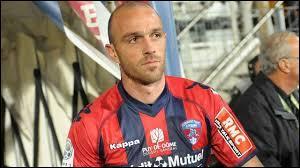 Footballeur français né à Mayenne en 1977, il est notamment passé par les clubs d'Auxerre, d'Ajaccio ou encore de Clermont. Qui est-ce ?