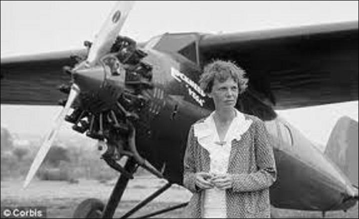 A vous de trouver qui est cette femme qui réalisera beaucoup de premières en aviation, comme la première traversée de l'Atlantique par une femme. On perdit toute trace d'elle lorsqu'elle tenta de réaliser un tour du monde en avion ! Elle a été surnommée « miss Lindy ». Qui est-elle ?
