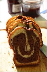 Chocolat et vanille se bousculent dans ce gâteau si bon, si intense ... .