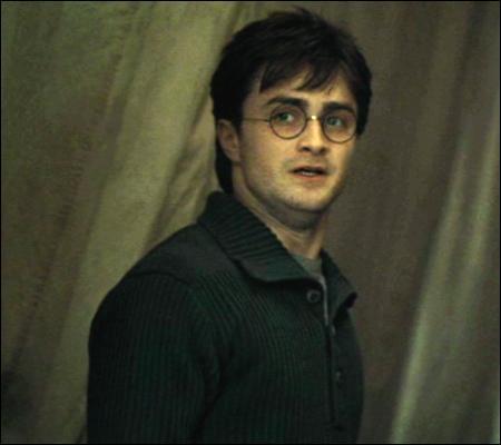 Ah, Harry, cela se produit souvent, même chez les meilleurs amis du monde ! Chacun pense que ce que qu'il a à dire est beaucoup plus important que tout ce que l'autre pourrait raconter !