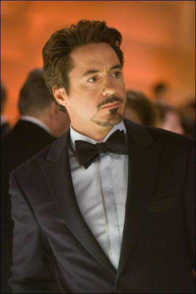 Quel super-héros incarne Robert Downey JR ?