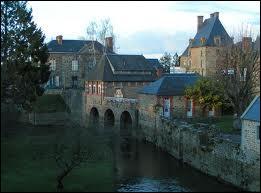 Je vous emmène à la découverte de la ville bas-normande de Ducey. Cette ville de l'arrondissement d'Avranches se situe dans le département ...